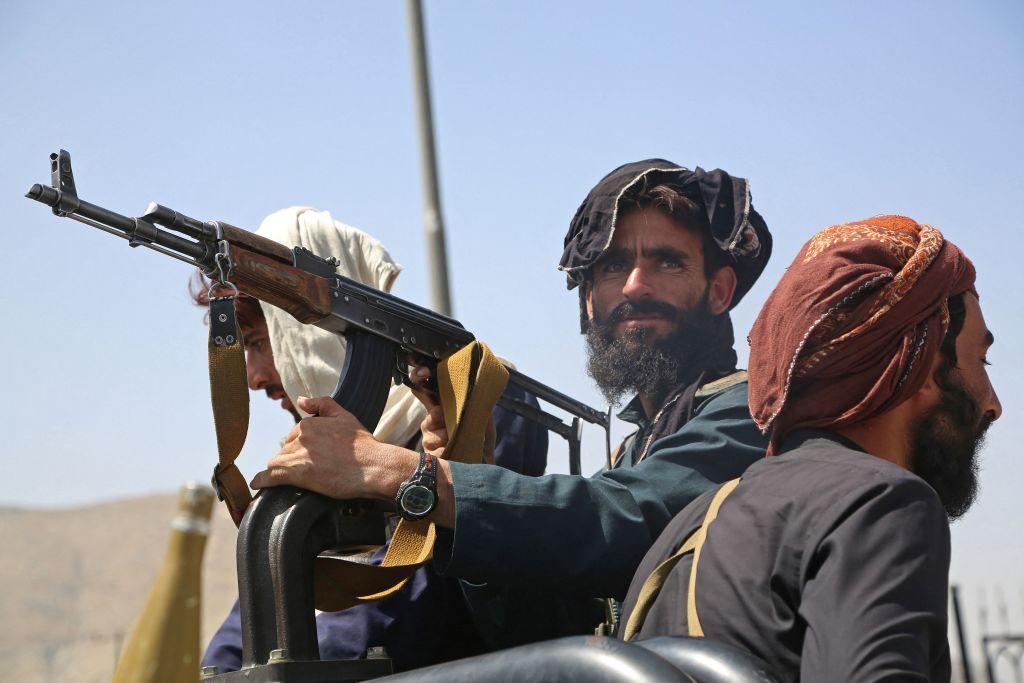 Taliban gehen nach Anschlag vor Moschee gegen Islamischen Staat vor