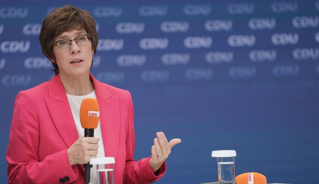 Kramp-Karrenbauer gegen Mitgliederentscheid und Treuhänder-Lösung