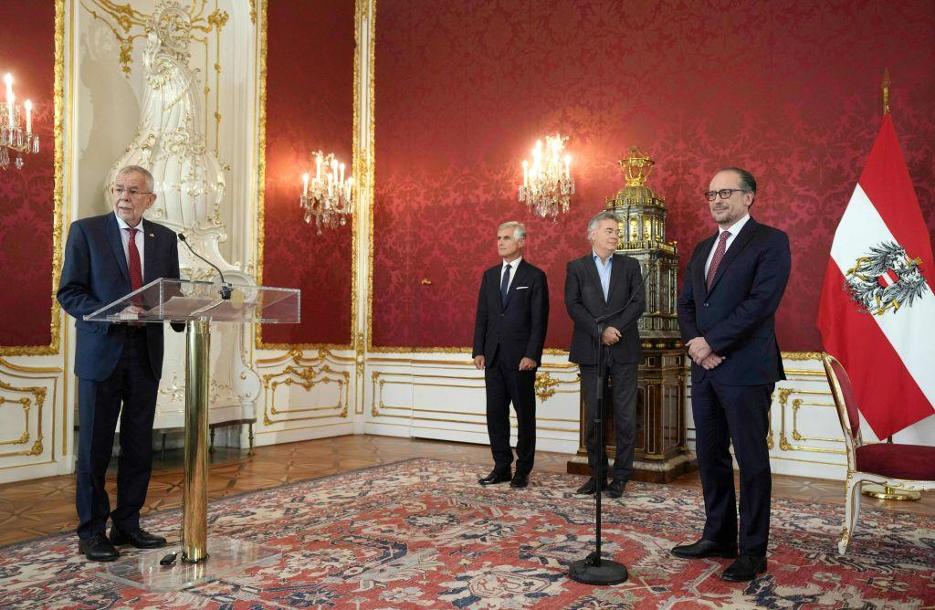 Schallenberg als Kanzler von Österreich vereidigt