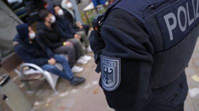 Bundespolizei greift 21 Iraker auf der Landstraße auf