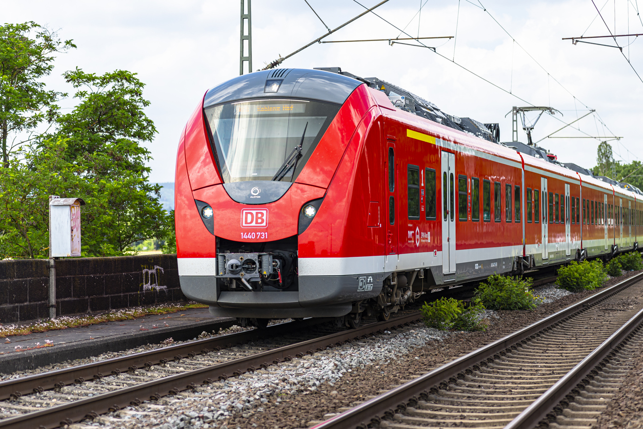 Bahn und EVG erzielen Einigung in erneuten Tarifverhandlungen
