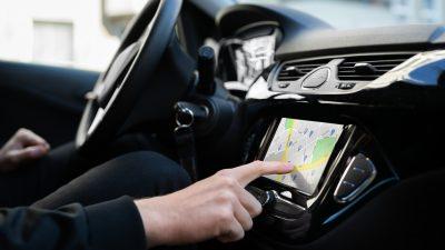 Warnmeldungen vor Gefahrenlagen künftig direkt über Navigationsgeräte
