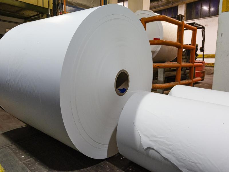 Teures Papier bringt Verlage in die Bredouille