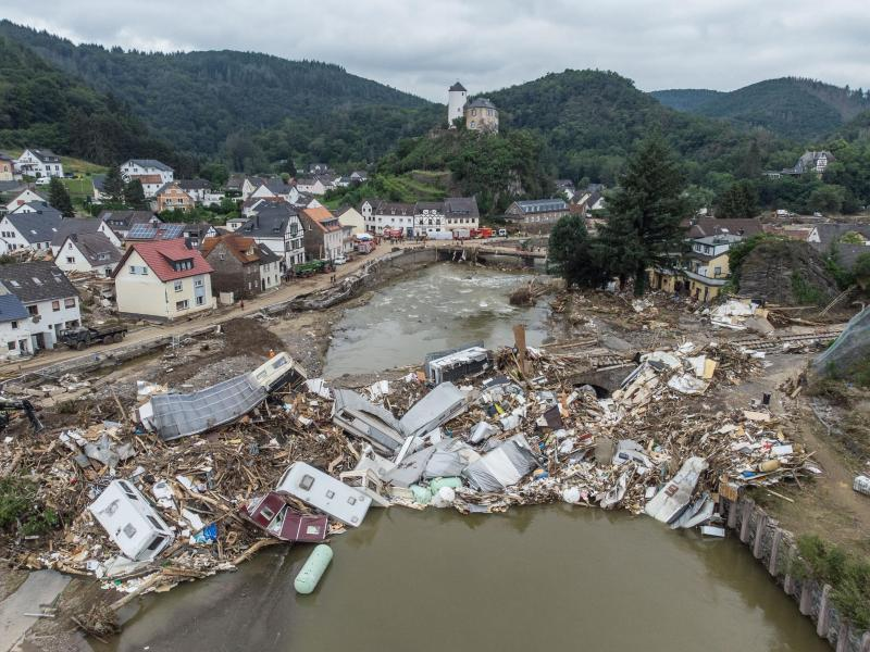 Nach Flutkatastrophe: Ahr-Landrat wird in Ruhestand versetzt