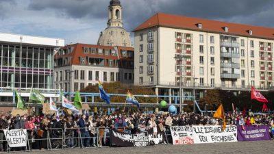 Proteste zum Pegida-Jubiläum